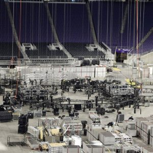 Final Four rigging load in.